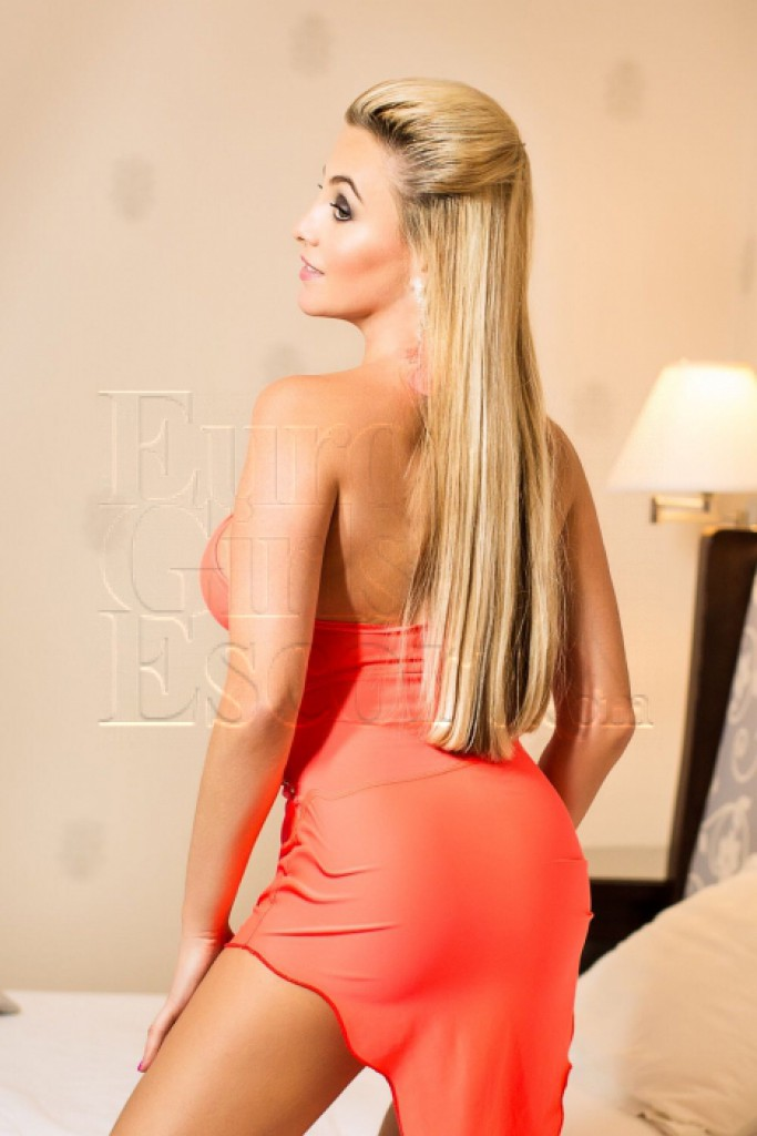 Escort Isabel - best girls in Prague